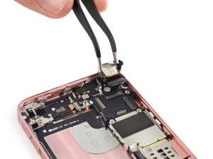 Замена задней камеры iPhone SE